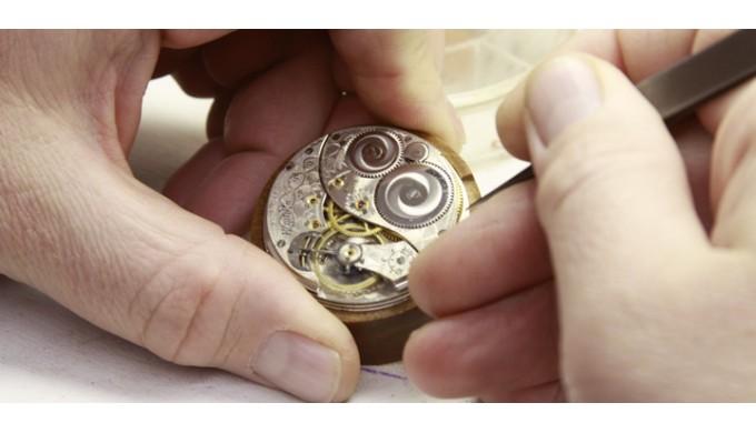 Kết quả hình ảnh cho đồng hồ nam sửa chữa